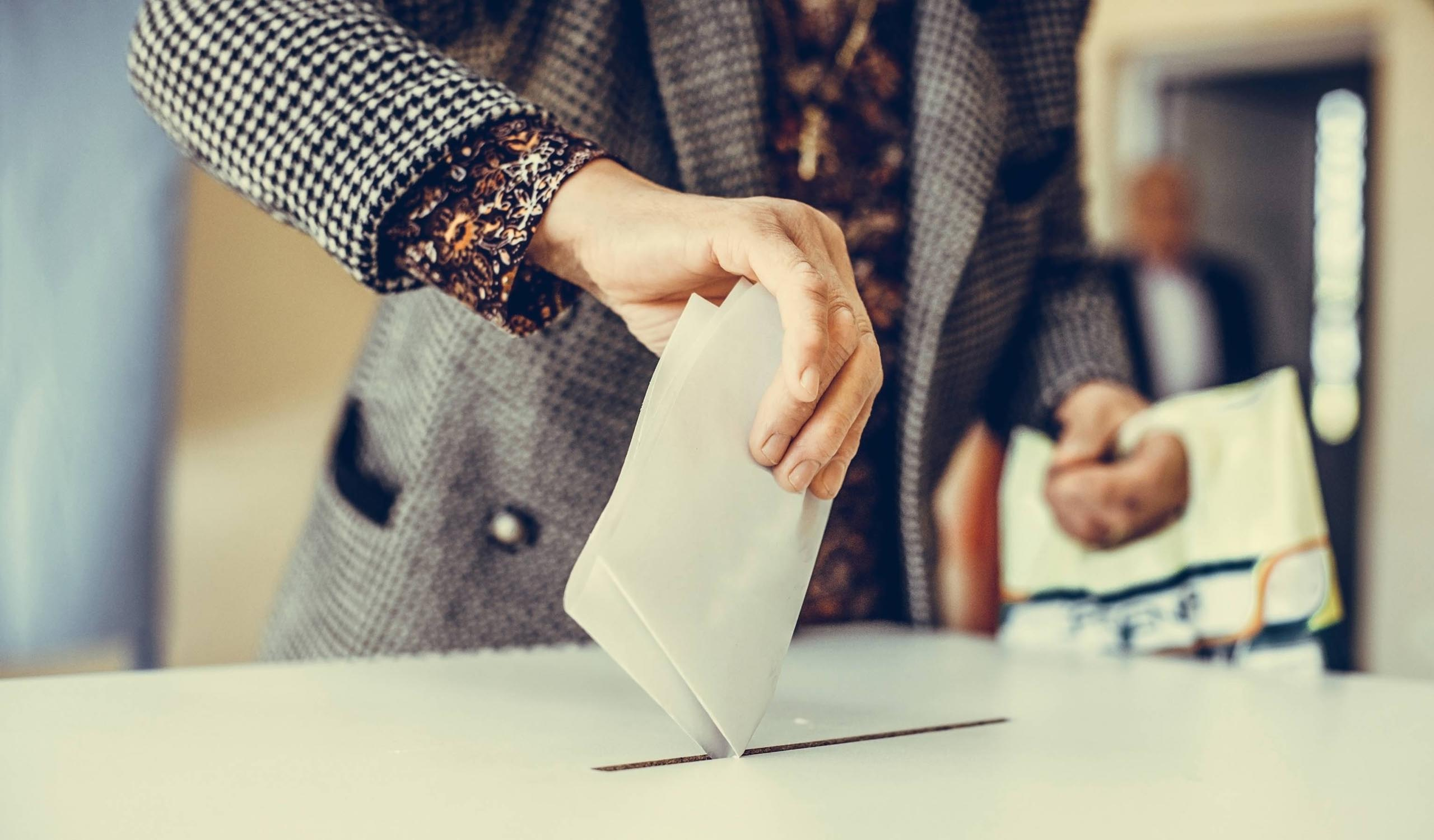 The Pros and Cons of On-Site Voting